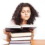 ReadingBooks_Student